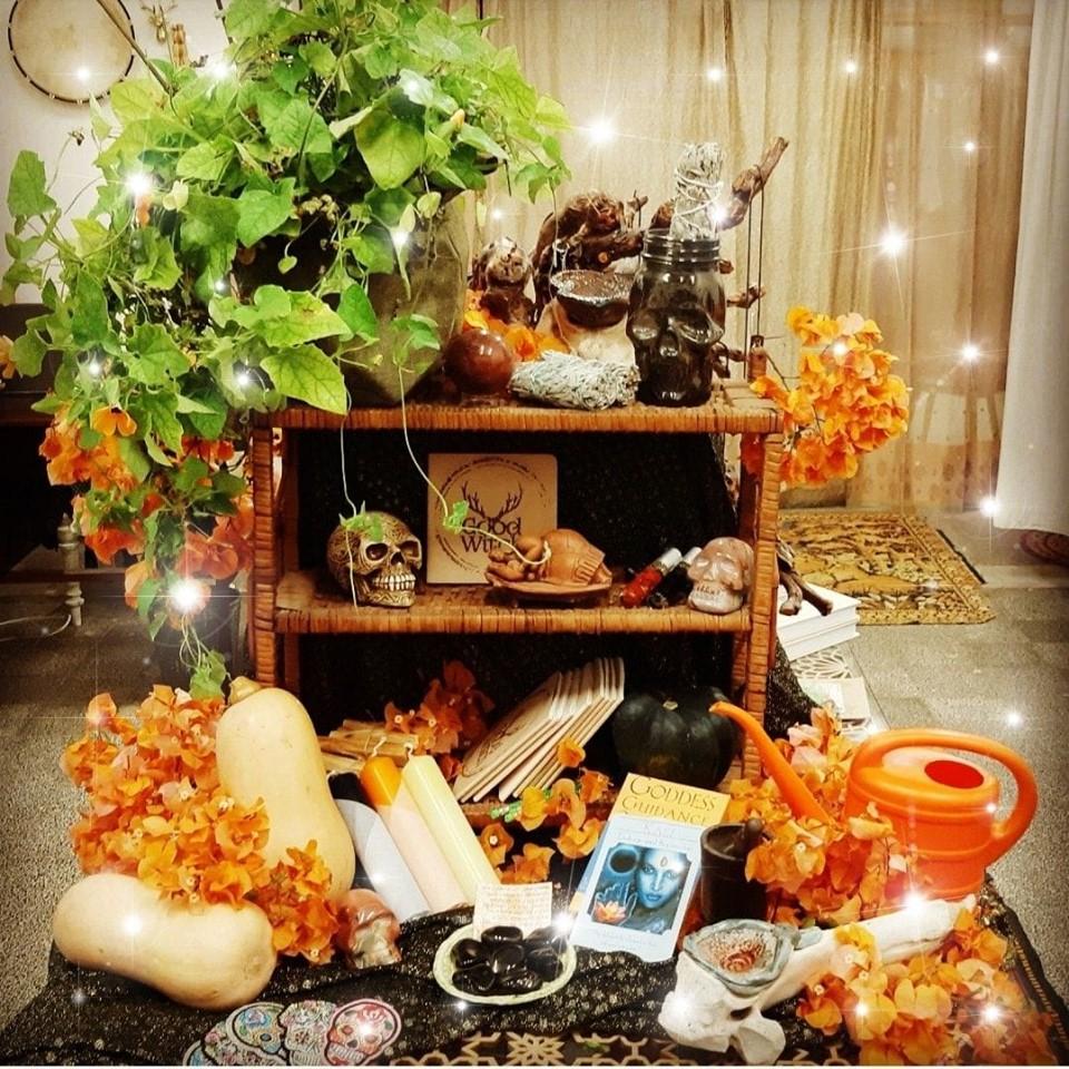 סאווין שמח – מקור חג Halloween והקשר לאלה, לטבע ולחכמה העתיקה