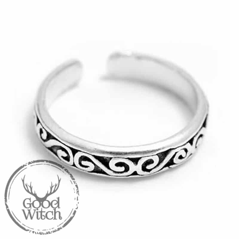 טבעת אצבע עם סמלים קלטיים
